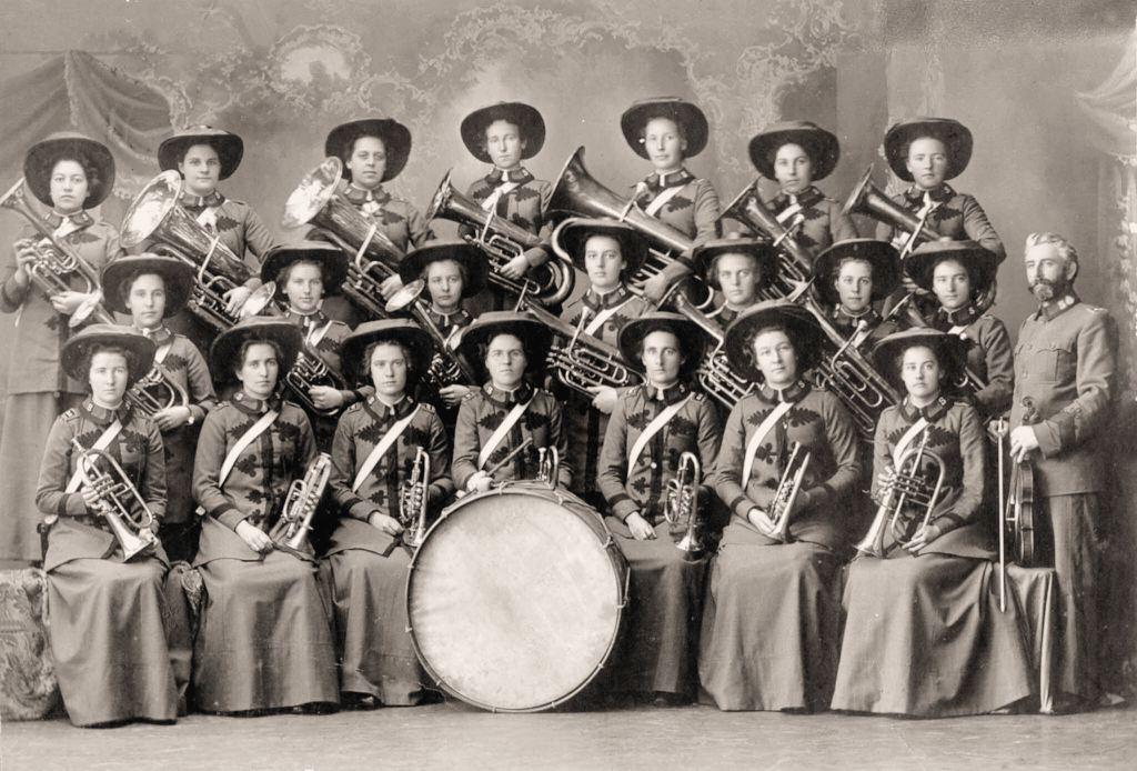 19060000_Salvation-Austral-Lasses_Ladies-Brass_phot1877