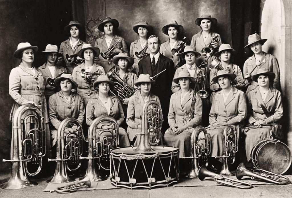 19140000_Clare-Girls_Brass_phot3428