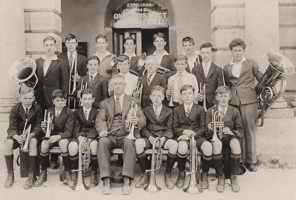 19310000_Beechworth_School-Brass