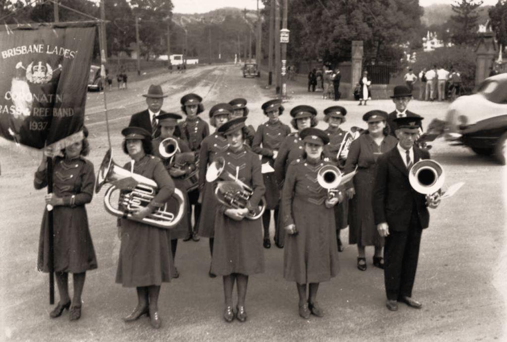 19400000_Brisband-Coronation-Ladies_Brass_phot15753