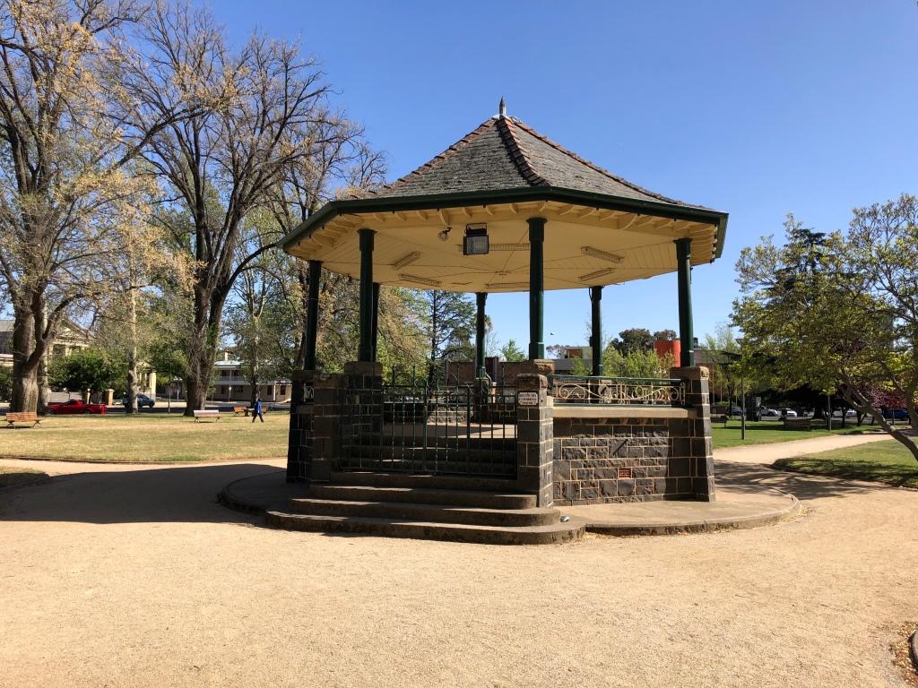 20191019-9.30_Orange_Robertson-Park-Bandstand1